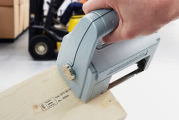 Handheld inkjet printer on pallets