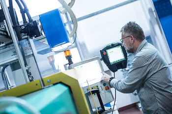 MIM Metal Injection Moulding Pulverspritzgießen REINER Präzisionstechnik