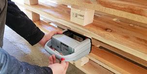 Etiquetar presionando un boton – limpio, rápido y eficiente